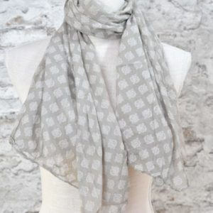 mit Spitze und Quasten weiß Leinen Baumwolle Sommer Schal van Deurs Scarf
