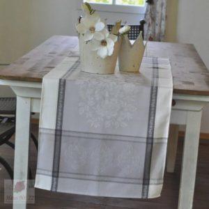 Tischläufer_ensoleillade_blumen_ornamente_beige_grau_natur_ecru_teflon_baumwolle_50x160_frankreich_provence.jpg
